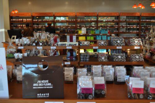 Réauté Chocolat_Intérieur magasin.jpg