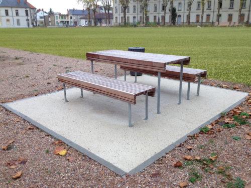 CHRYSO - mobilier urbain sur sol béton micro-désactivé